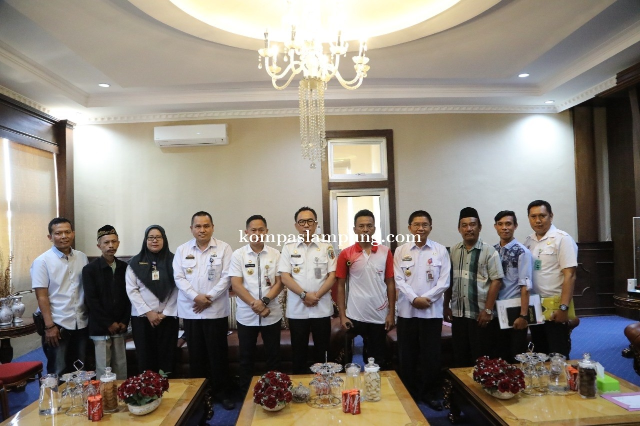 Bupati Raden Adipati Menerima Audiensi Pengurus National Paralympic Commite (NPC) Kabupaten Way Kana