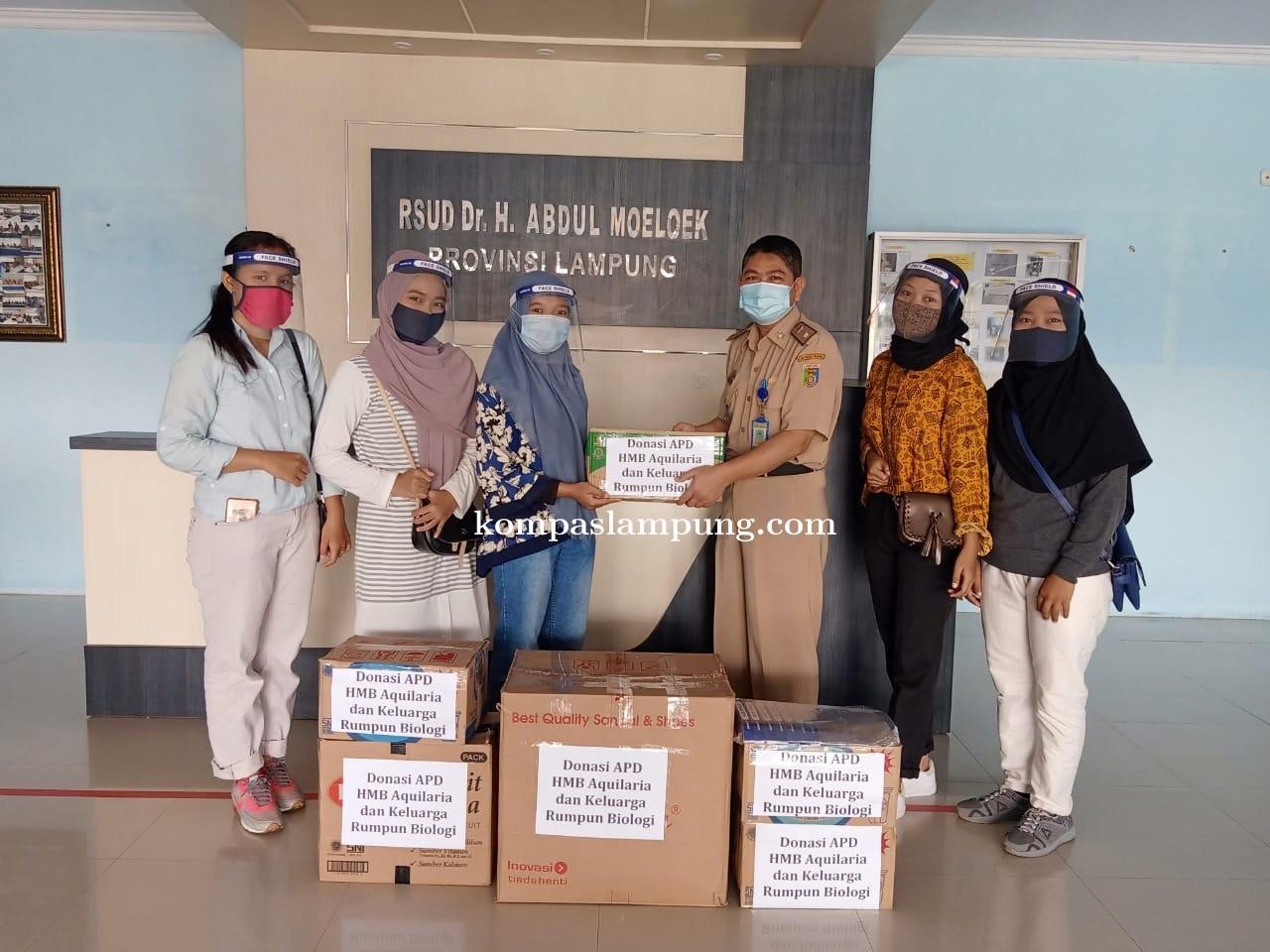 HMB Aqularia Itera Beri Bantuan APD Untuk Tenaga Medis Di RSUD Abdul Moeloek