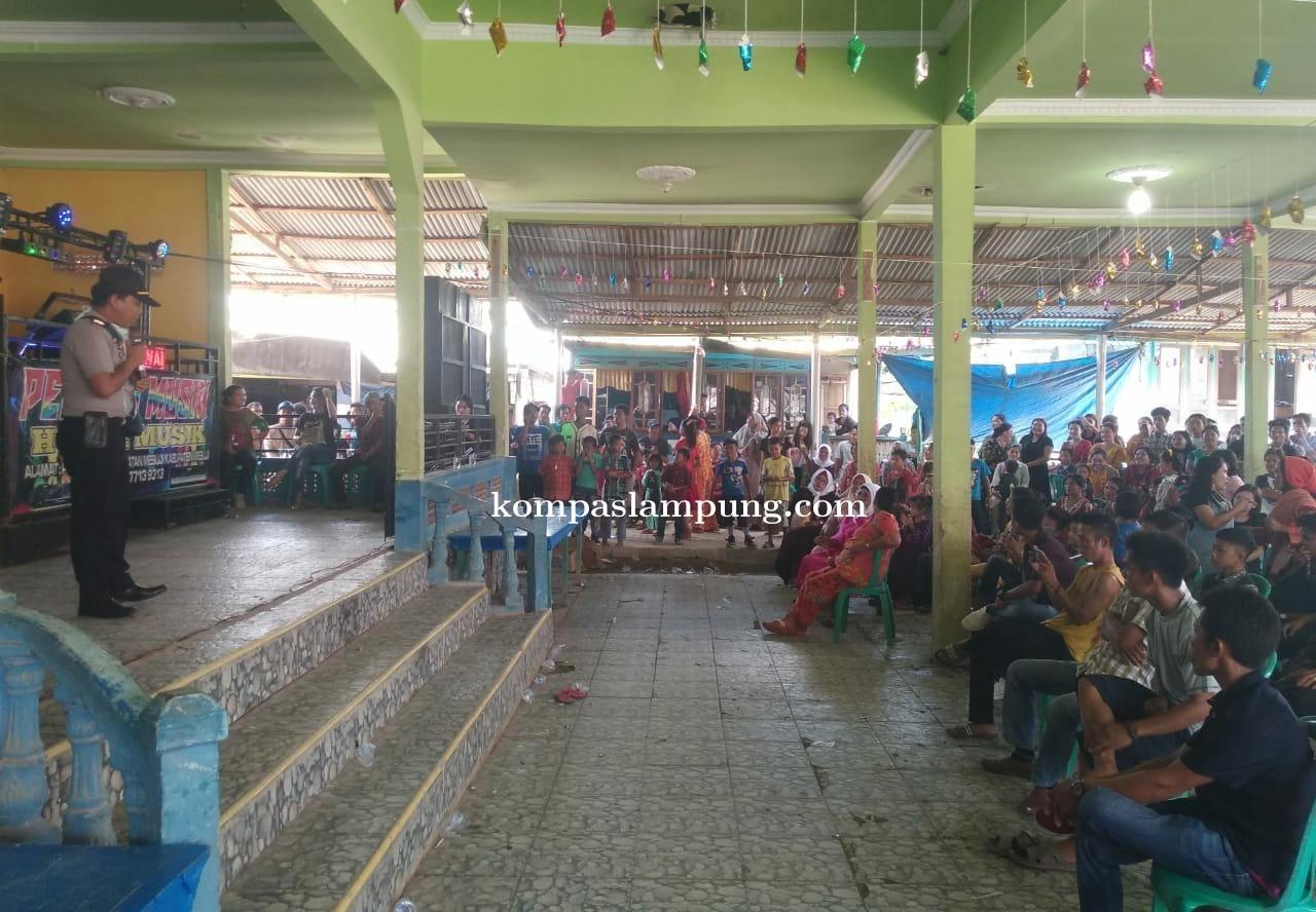 Acara Resepsi Pernikahan Di Perairan Mesuji Di Bubarkan  Kapolsek Tanjung Raya