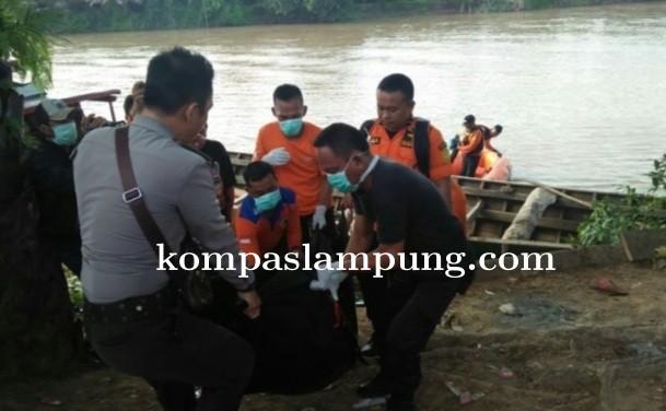 Korban Tewas Akibat Perahu Tenggelam Di Sungai Tajab Akhirnya Ditemukan