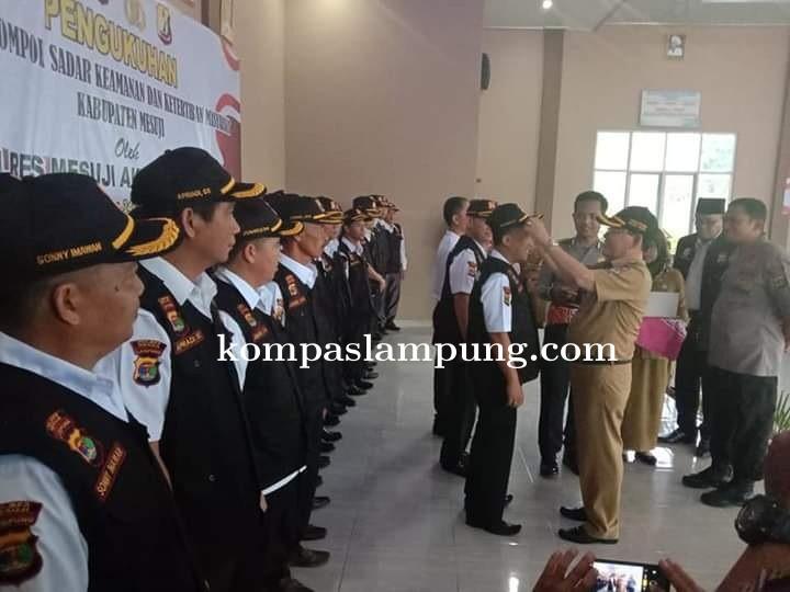 Kapolres Mesuji Resmi Mengukuhkan Pengurus Kabupaten Pokdar Kamtibmas