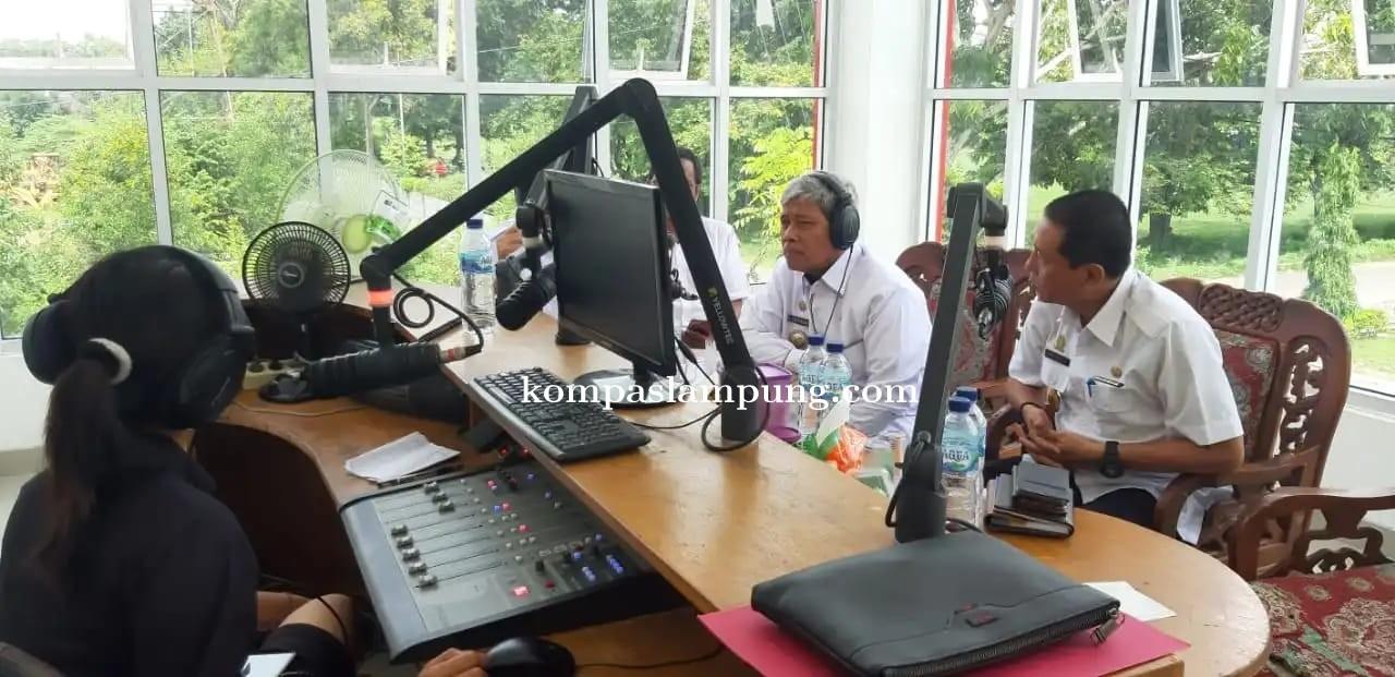 Bupati LT Loekman Djoyosoemarto Mengadakan Siaran Dialog Informatif Mengenai Isu Virus Corona