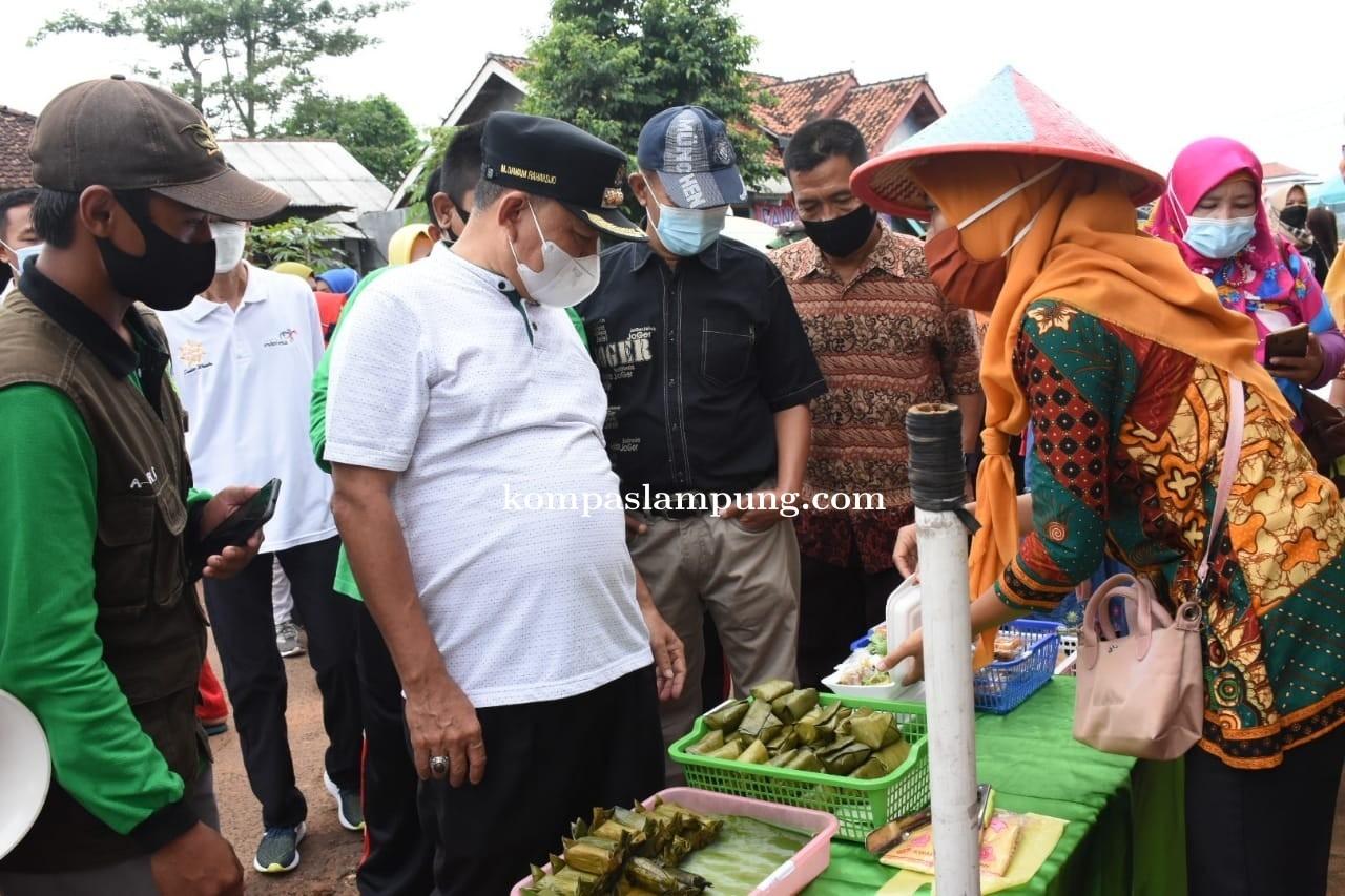 Bupati Lampung Timur Resmikan Pasar Kreatif Warung Macan Desa Adirejo