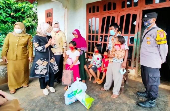 Bocah 7 Tahun Jadi Korban Pemerkosaan : Ketua TPKK Lamtim Sangat Prihatin dan Berikan Dukungan Psiko