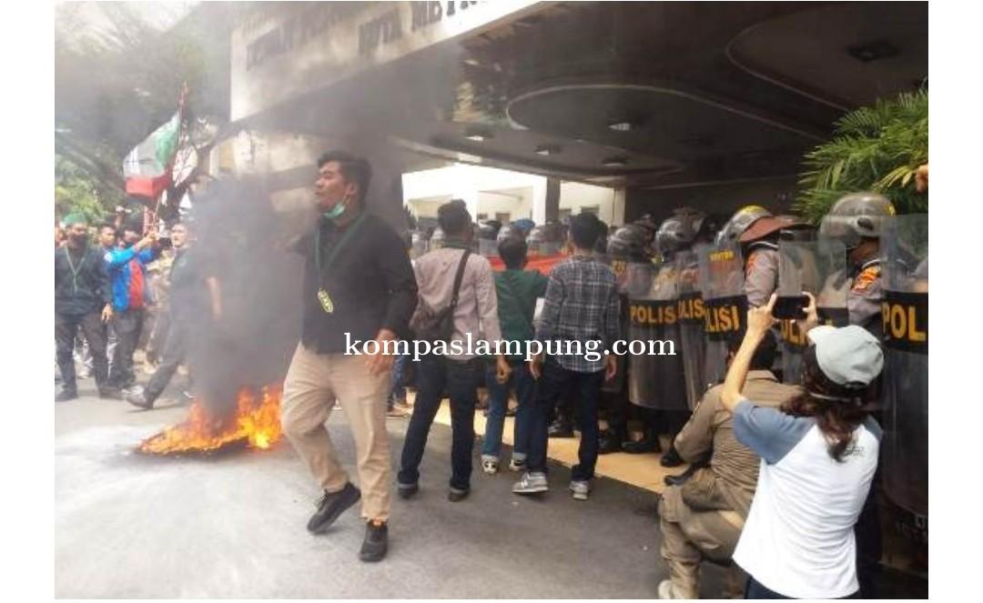 HMI Metro Demo Berujung Keributan