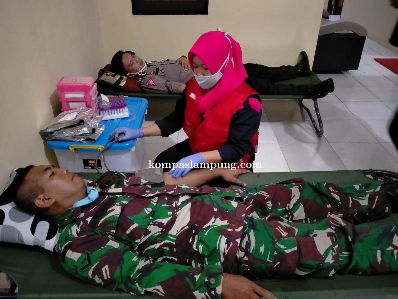 Puluhan Anggota Polres Tubaba Lakukan Aksi Donor Darah