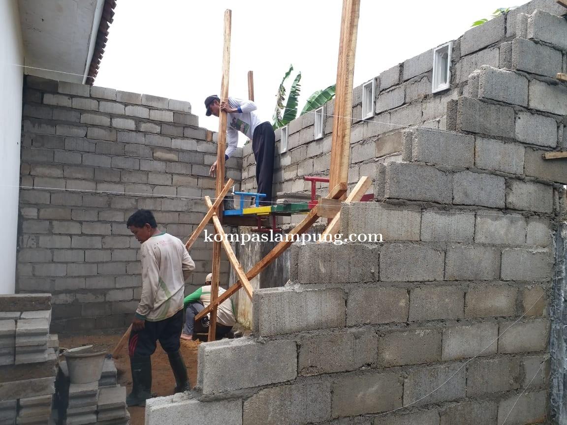 Bayan Dusun 02 Desa Margosari Langgar UU Pokok Pers