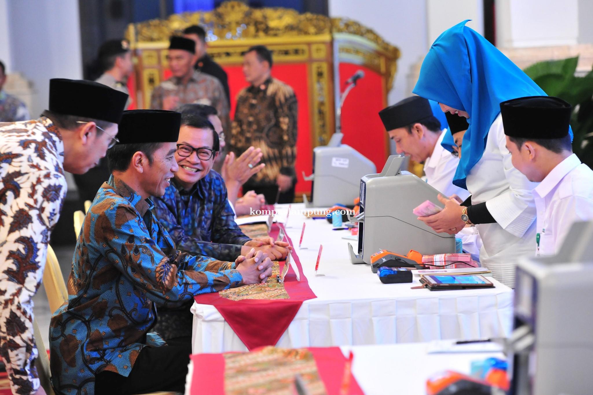 Presiden Jokowi Tanya Menteri Agama Soal Perpres Zakat Bagi ASN