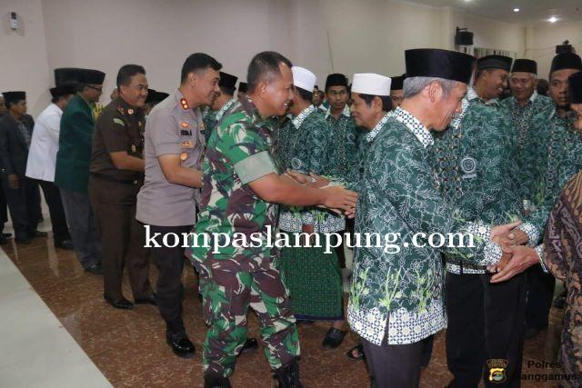 Kapolres Tanggamus Hadiri Pengukuhan Pengurus MUI Kecamatan Se-Kabupaten Pringsewu Periode 2019-2024