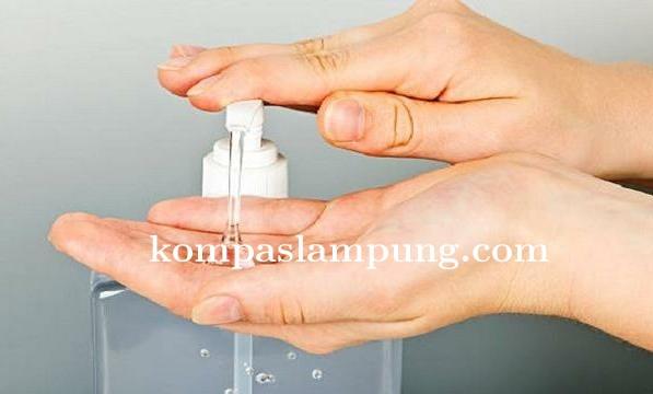 Dinas kesehatan Mesuji  Memberikan Tips Membuat Desinfektan Dan Hand Sanitizer Di Rumah