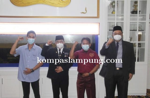 Walikota Metro Lepas Wasit Cabang Olahraga Hoki Ruangan PON XX Papua Tahun 2021