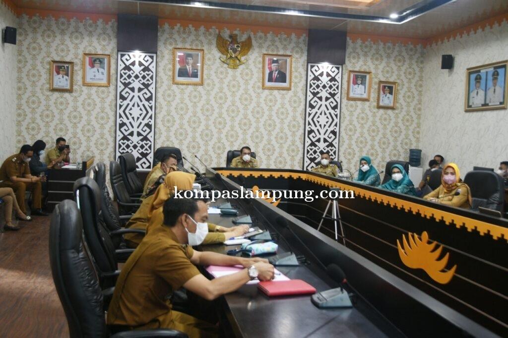 Wahdi Pimpin Rapat Pemantapan Pelaksanaan Instruksi Walikota tentang PPKM Mikro