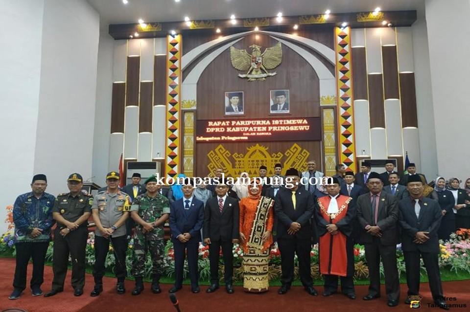 Kapolres Tanggamus Hadiri Pelantikan Ketua DPRD Pringsewu