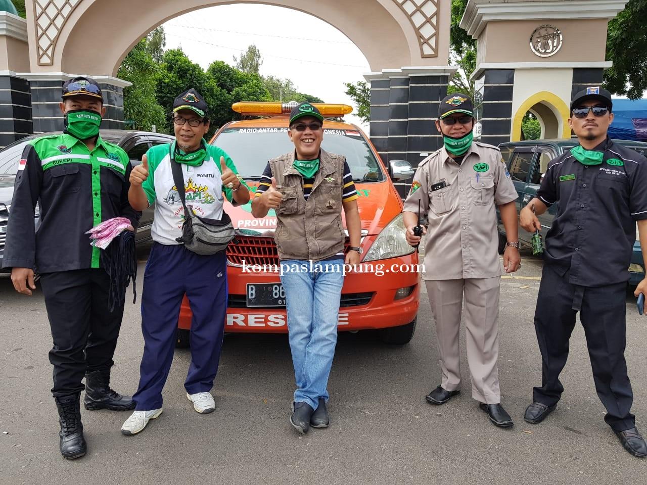 Kerjasama Dengan 4 Kandidat Calon Walikota, RAPI Kota Metro Bagikan 2.150 Masker