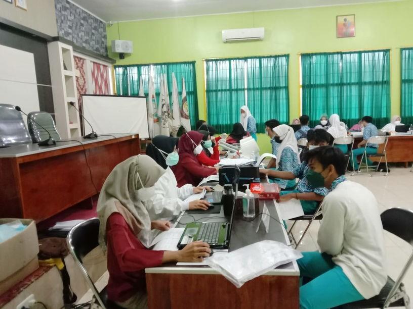 Dukung Pemerintah Tangani Covid-19, SMA Negeri 1 Metro dan Empat Sekolah Gelar Vaksinasi Massal