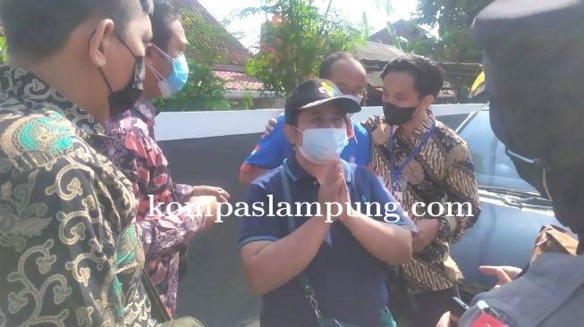 Kedatangan Jokowi Disambut Aksi Unjuk Rasa dan Dibubarkan Paspampres