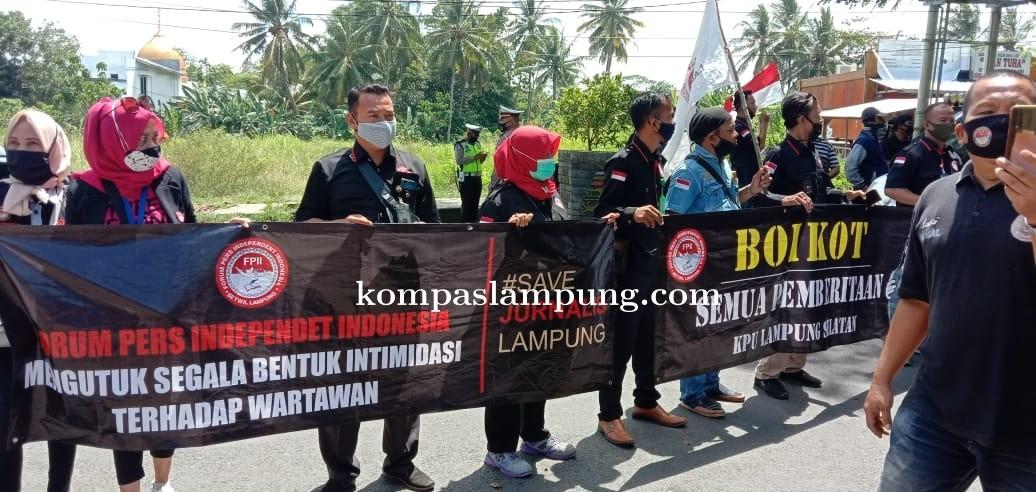 KPU Lamsel Kangkangi UU Pers, FPII Turun Ke Jalan