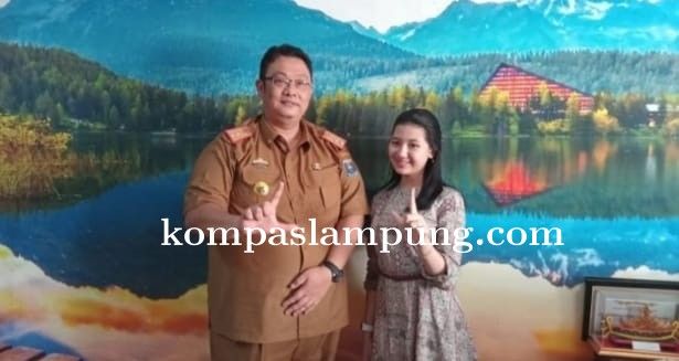 Warga Kota Metro Dukung Gisha Finalis Pesona Batik Nusantara Tingkat Nasional